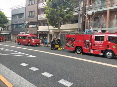 スタジオ前に消防救急集合