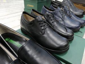 パラマウントの靴